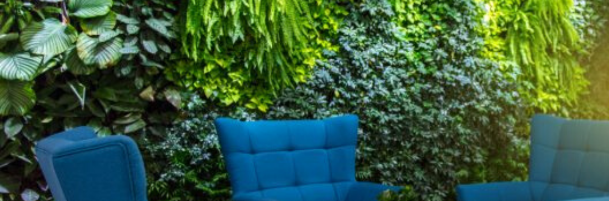 Hos Nordic Green Design hittar du växtväggar i exklusiv design